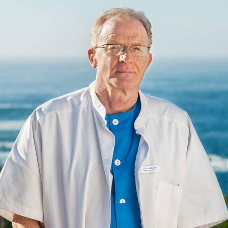 Doctor Salvador Ramos, médico del Centro Sanitario Autorizado por la Xunta de Galicia a Talaso Atlantico